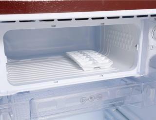 Avoir 195 L Direct Cool Single Door 2 Star Refrigerator(WINE TITANIUM, ARDG2052WT)